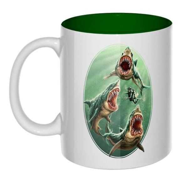 Водолаз и хищные акулы, кружка цветная внутри