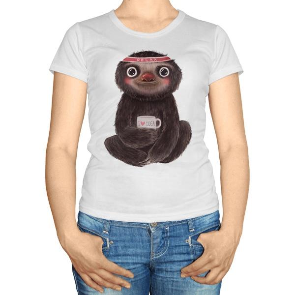 Женская футболка Ленивец занимается йогой