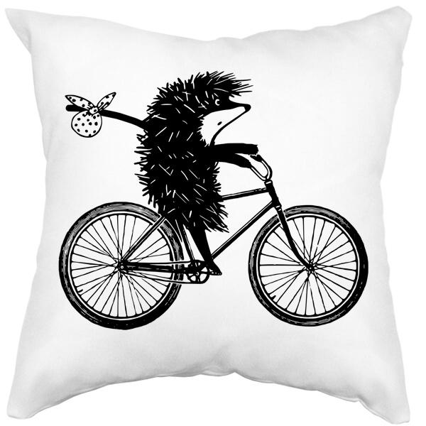 Подушка белая Ежик на велосипеде