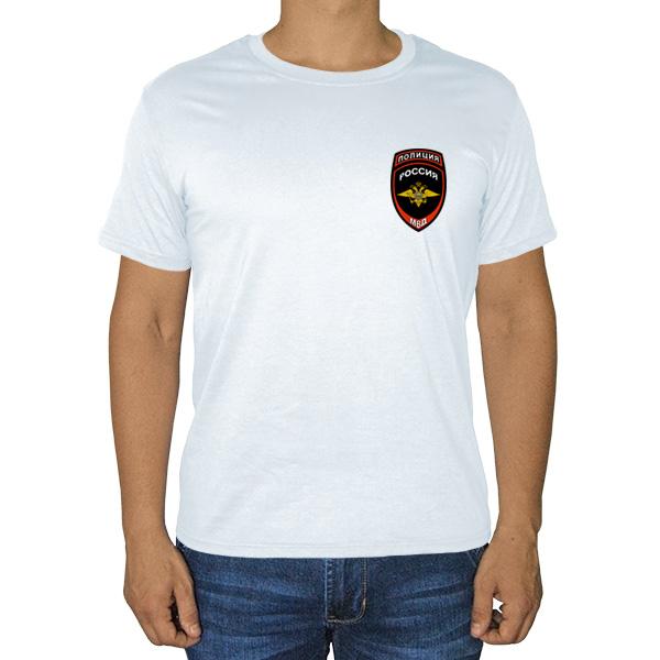 Белая футболка с эмблемой полиции на груди