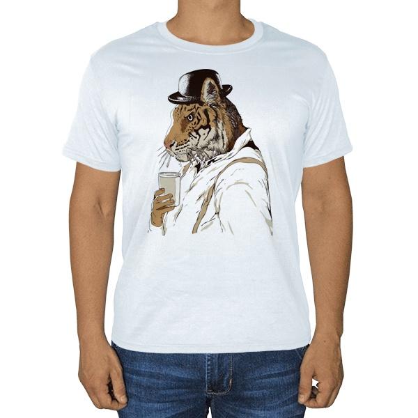 Тигр-человек, белая футболка