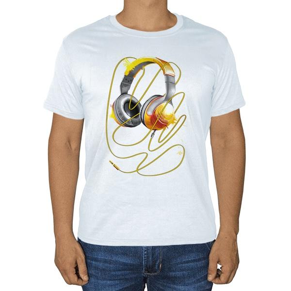 Наушники, белая футболка