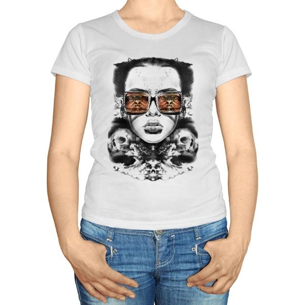 Женская футболка Девушка с отражением черепов в очках
