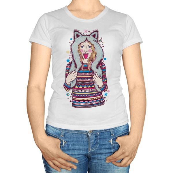 Женская футболка Девушка в зимней шапке с ушками
